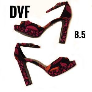 DVF Daria Open Toe Kiss platform heel in midnight
